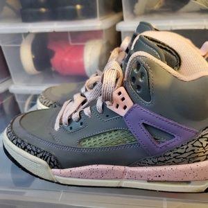 Air Jordan SPIZ'IKE Youth Sneakers. 535712028.